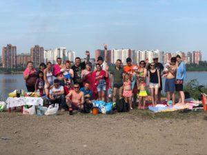 На пляже с друзьями