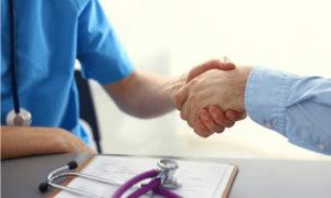 бесплатные клиники и цена недорогих социальных программ
